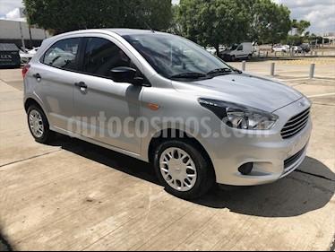 Foto venta Auto Seminuevo Ford Figo Hatchback IMPULSE TM A/A 5 puertas (2017) color Plata precio $145,000