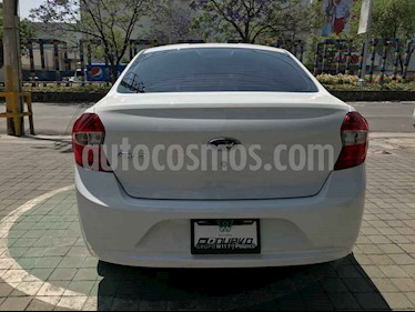 Ford Figo Hatchback Impulse Aut A/A usado (2017) color Plata precio $165,000