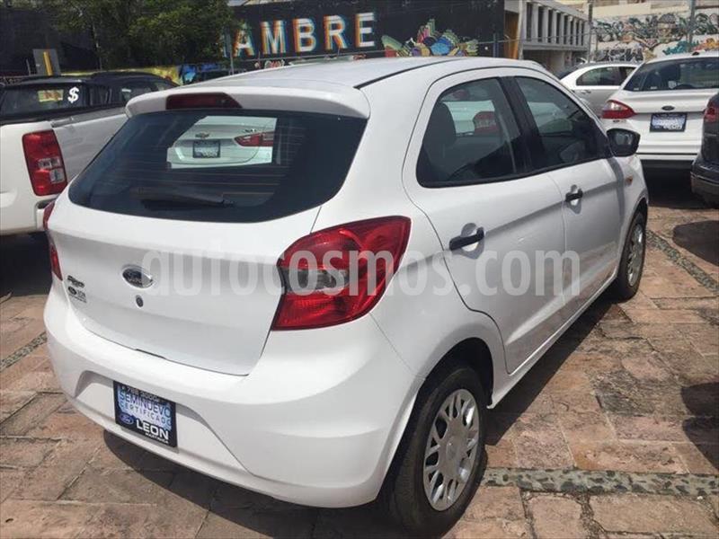 Ford Figo Hatchback IMPULSE TM A/A 5 PUERTAS usado (2016) color Blanco precio $135,000