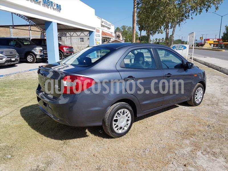 Ford Figo Sedan Impulse A/A usado (2018) color Gris Oscuro precio $150,000