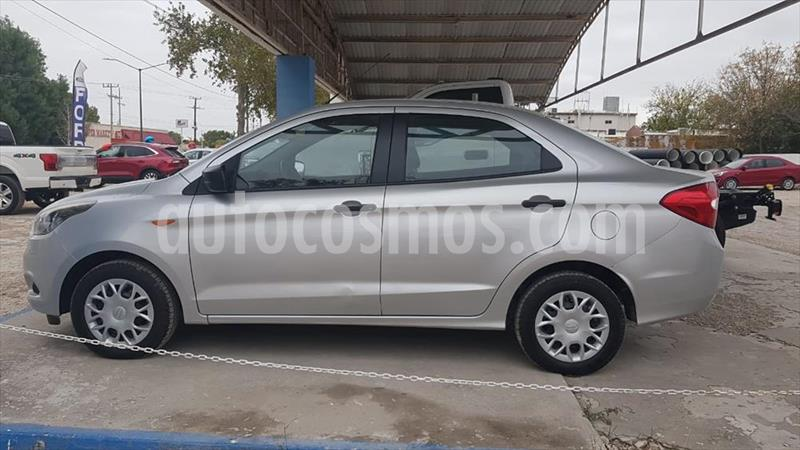 Ford Figo Sedan Impulse A/A usado (2017) color Plata precio $150,000