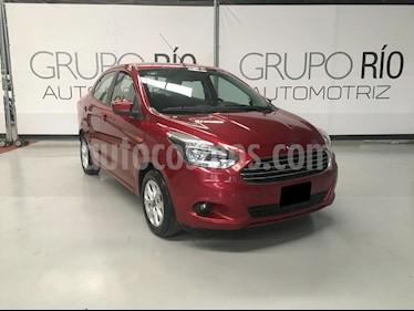 Ford Figo Sedan Titanium Aut usado (2017) color Rojo Rubi precio $171,000