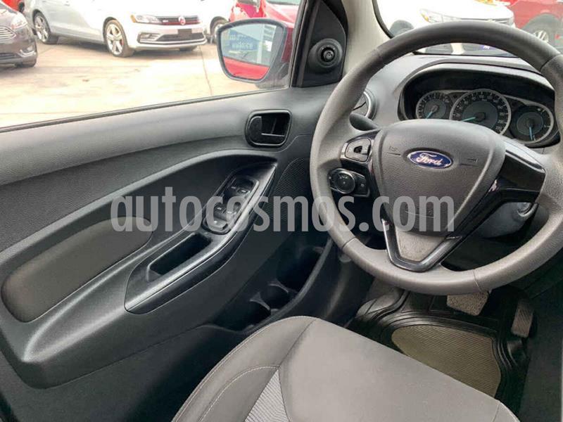 Foto Ford Figo Sedan Titanium Aut usado (2017) color Rojo precio $159,900