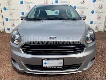 Foto venta Auto Seminuevo Ford Figo Sedan Titanium (2017) color Plata precio $190,000