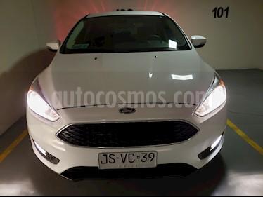 Ford Focus Hatchback SE AT 2.0L usado (2017) color Blanco Oxford precio $8.290.000