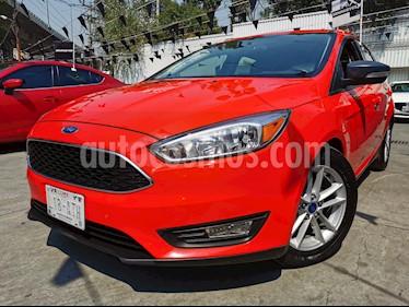 Ford Focus Hatchback SE usado (2017) color Rojo Racing precio $215,000