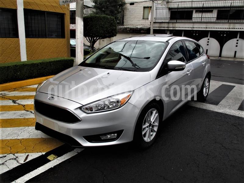 Ford Focus Hatchback SE usado (2017) color Plata precio $219,900