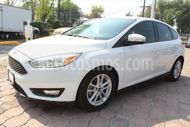 Ford Focus Hatchback SE Aut usado (2015) color Blanco precio $175,000