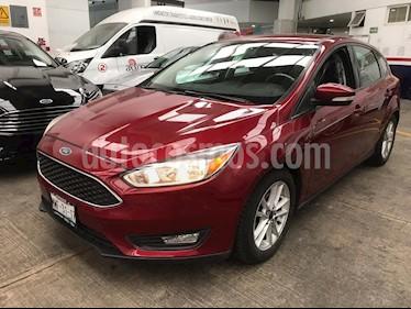 foto Ford Focus Hatchback SE Aut usado (2015) color Rojo Rubí precio $159,000