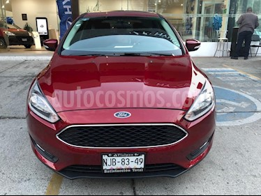 Ford Focus Hatchback SE usado (2017) color Rojo Racing precio $254,000