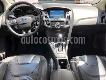 Ford Focus Hatchback SE Luxury Aut usado (2016) color Gris precio $215,000