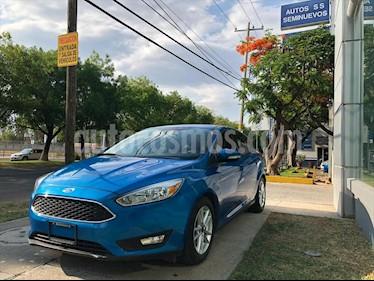 Ford Focus Hatchback SE usado (2016) color Azul Electrico precio $215,000