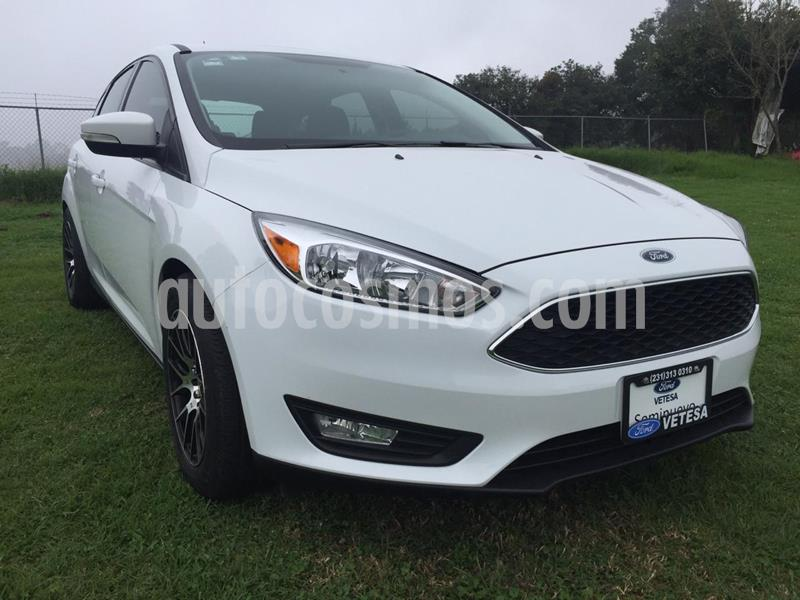 Ford Focus Hatchback SE usado (2017) color Blanco Oxford precio $234,000