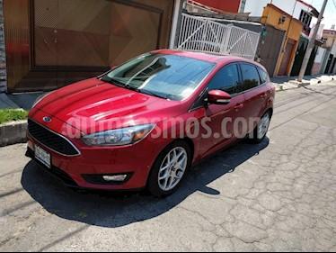 Ford Focus Hatchback SE usado (2016) color Rojo Rubi precio $235,000