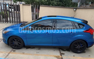 Foto Ford Focus Hatchback SE Appearance Aut usado (2015) color Azul Brillante precio $185,000
