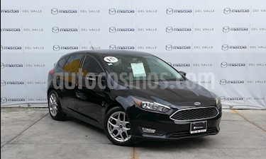 Foto Ford Focus Hatchback SE Appearance Aut usado (2015) color Negro Profundo precio $200,000