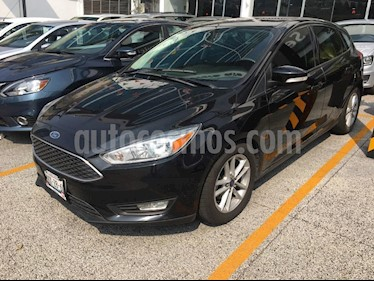 Foto venta Auto Seminuevo Ford Focus Hatchback SE Aut (2015) color Negro precio $159,000