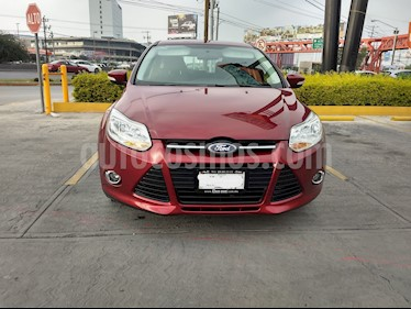 Foto venta Auto usado Ford Focus Hatchback SE Aut (2013) color Rojo Rubi precio $140,000