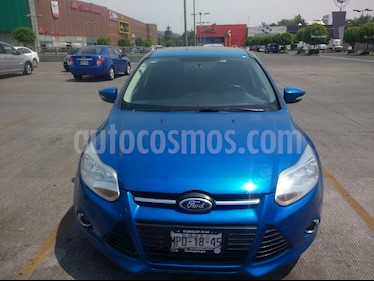 Foto venta Auto Seminuevo Ford Focus Hatchback SE Aut (2013) color Azul Brillante precio $128,500
