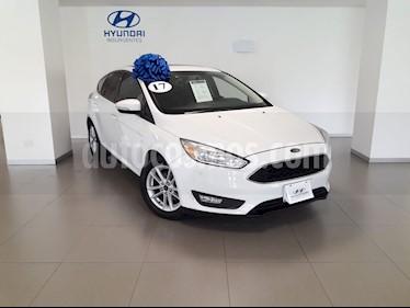 Foto venta Auto usado Ford Focus Hatchback SE Aut (2017) color Blanco Platinado precio $269,000