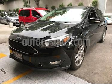 Foto Ford Focus Hatchback SE Luxury Aut usado (2016) color Negro Profundo precio $209,000