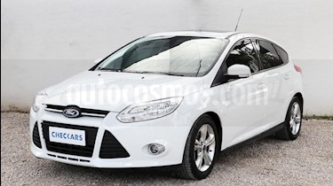 foto Ford Focus One 4P Edge 1.6 usado (2015) color Blanco precio $529.000