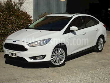 Ford Focus One 4P Edge 1.6 usado (2016) color Blanco precio $440.000