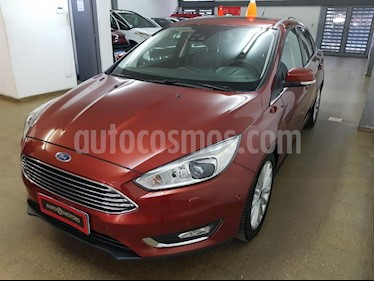 Foto Ford Focus One 4P Edge 1.6 usado (2017) color Naranja precio $890.000