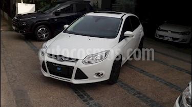 Foto venta Auto usado Ford Focus One 5P 1.6 Ambiente (2014) color Blanco precio $240.000