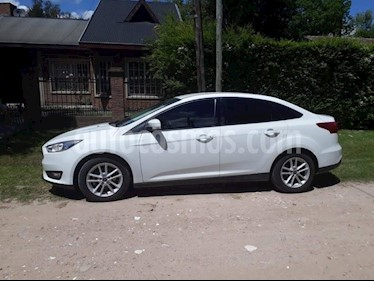 Foto Ford Focus One 5P 1.6 Edge usado (2015) color Blanco precio $550.000