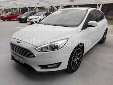 Foto venta Auto Usado Ford Focus One 5P Ambiente 1.6 (2017) color Blanco precio $680.000