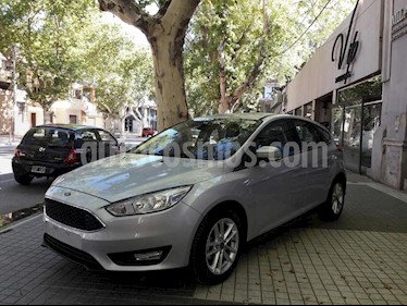 Foto venta Auto usado Ford Focus One 5P Edge 1.6 (2019) color Gris Claro