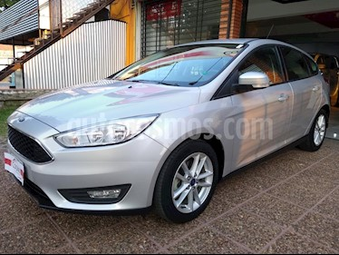 Ford Focus One 5P 1.6 Edge usado (2016) color Gris Claro precio $111.111