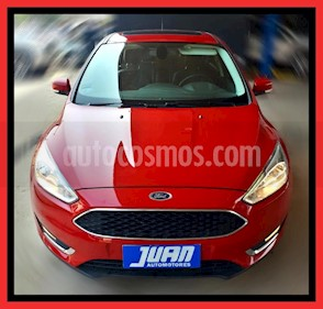 foto Ford Focus One 4P Edge 1.6 usado (2017) color Rojo precio $965.000
