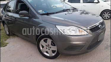 Ford Focus One 5P 1.6 Edge usado (2011) color Gris Claro precio $350.000