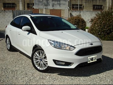 Ford Focus One 4P Edge 1.6 usado (2016) color Blanco precio $490.000