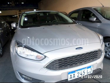 Ford Focus One 4P Edge 1.6 usado (2016) color Gris Claro precio $810.000