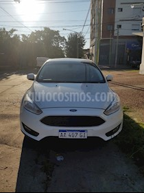 Ford Focus Sedan 1.6L S usado (2016) color Blanco Oxford precio $590.000