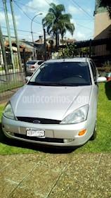 Foto venta Auto usado Ford Focus Sedan 2.0L Ghia Aut (2003) color Gris precio $150.000
