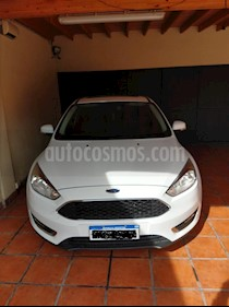 foto Ford Focus Sedán 2.0L SE Plus usado (2016) color Blanco Oxford precio $630.000