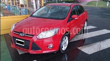 Foto venta Auto usado Ford Focus Sedan 2.0L SE Plus (2014) color Rojo Bari