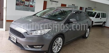 Foto venta Auto usado Ford Focus Sedan 2.0L SE (2015) color Gris Oscuro