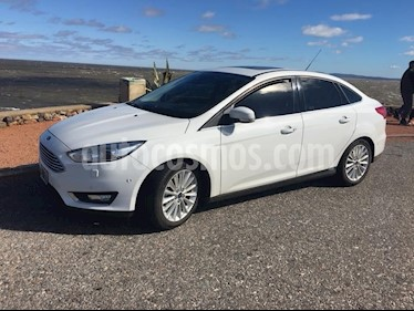 Foto venta Auto usado Ford Focus Sedan 2.0L Titanium Aut (2015) color Blanco Oxford precio $644.999
