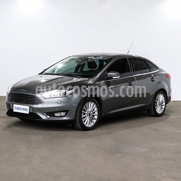 Ford Focus Sedan 2.0L Titanium Aut usado (2017) color Gris Mercurio precio $1.752.000