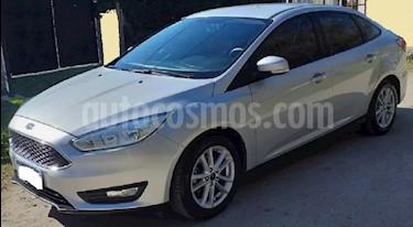 Ford Focus Sedan 1.6L S usado (2017) color Plata Metalizado precio $860.000