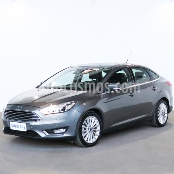 Ford Focus Sedan 2.0L Titanium usado (2016) color Gris Mercurio precio $1.377.000