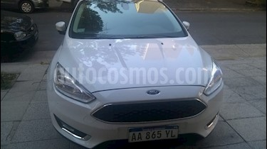 Foto venta Auto usado Ford Focus Sedan SE PLUS AT (2017) color Blanco precio $620.000