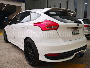 Ford Focus ST 2.0L usado (2016) color Blanco Oxford precio $370,000