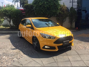 Foto venta Auto usado Ford Focus ST 2.0L (2016) color Amarillo precio $345,000