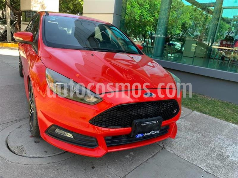 Ford Focus ST ST 5 PTAS usado (2016) color Rojo precio $299,000